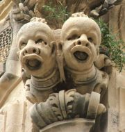Palazzo Beneventano - mascheroni