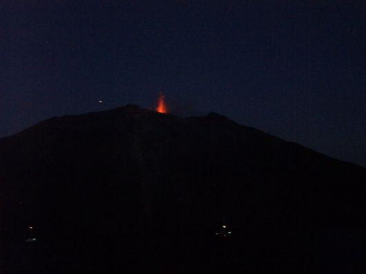 Stromboli, eruzione del vulcano.